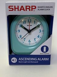 Sharp Battery Powered Alarm Clock Glow In Dark Hands Back Light On Demand Travel