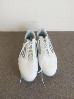 Golf Shoes - Practically New (worn once)