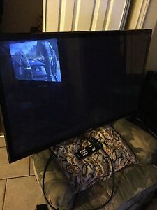 "SAMSUNG 43"" Mint condition with remote."