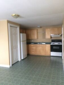 2bedroom apt available May 1st