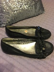 Selling several pair shoes. All size9 St. John's Newfoundland image 3