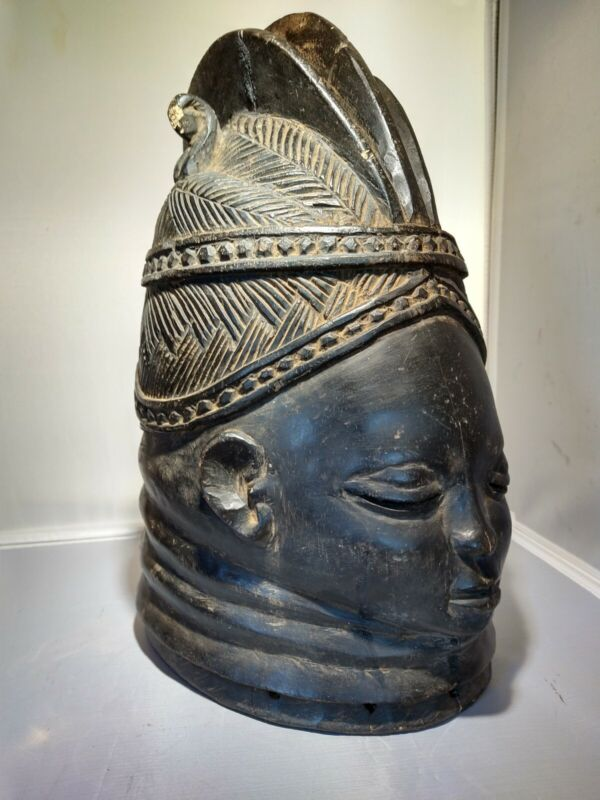 AUTHENTIC AFRICAN FEMALE SANDE SECRET SOCIETY MASK - museum exhibited collection