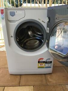 Ariston 8kg front loader washing machine