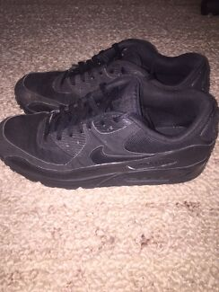 Triple Black Nike Air Max 90 - size 12