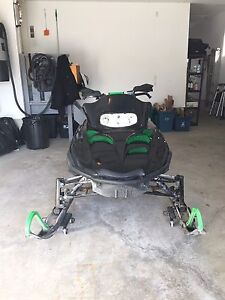2003 Arctic Cat ZR900 with Reverse - Mint Condition