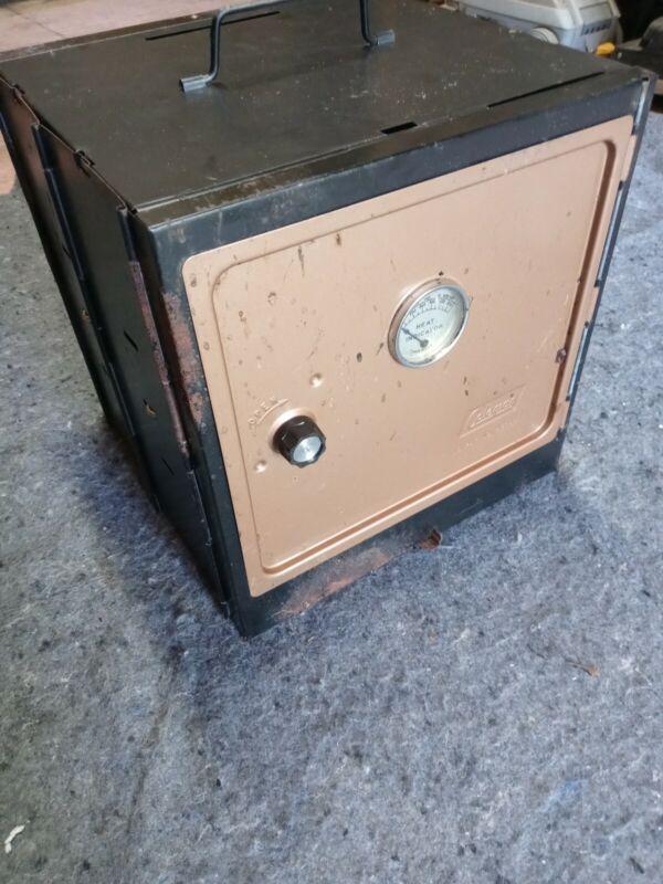 Vintage Coleman Folding Camp Oven Stove No.5010A700 ?