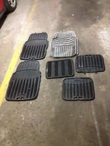 7 X car floor mats new condition Rubbermaid & motomaster