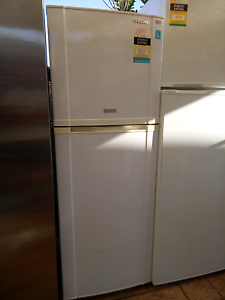 Fridge freezer $150 Samsung 228ltr excellent working order Ambarvale Campbelltown Area Preview