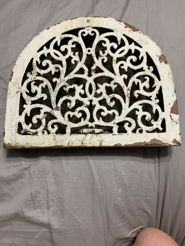 Vintage Antique Rare Rounded Ornate Wall Grate Industrial Cast Iron Salvage
