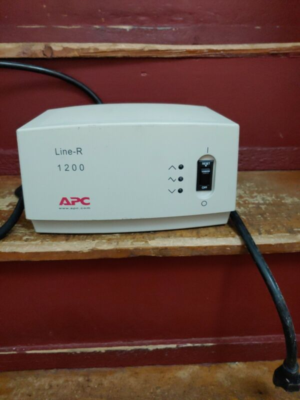 APC Line-R 1200 Automatic Voltage Regulator LE1200 Surge Protector tested