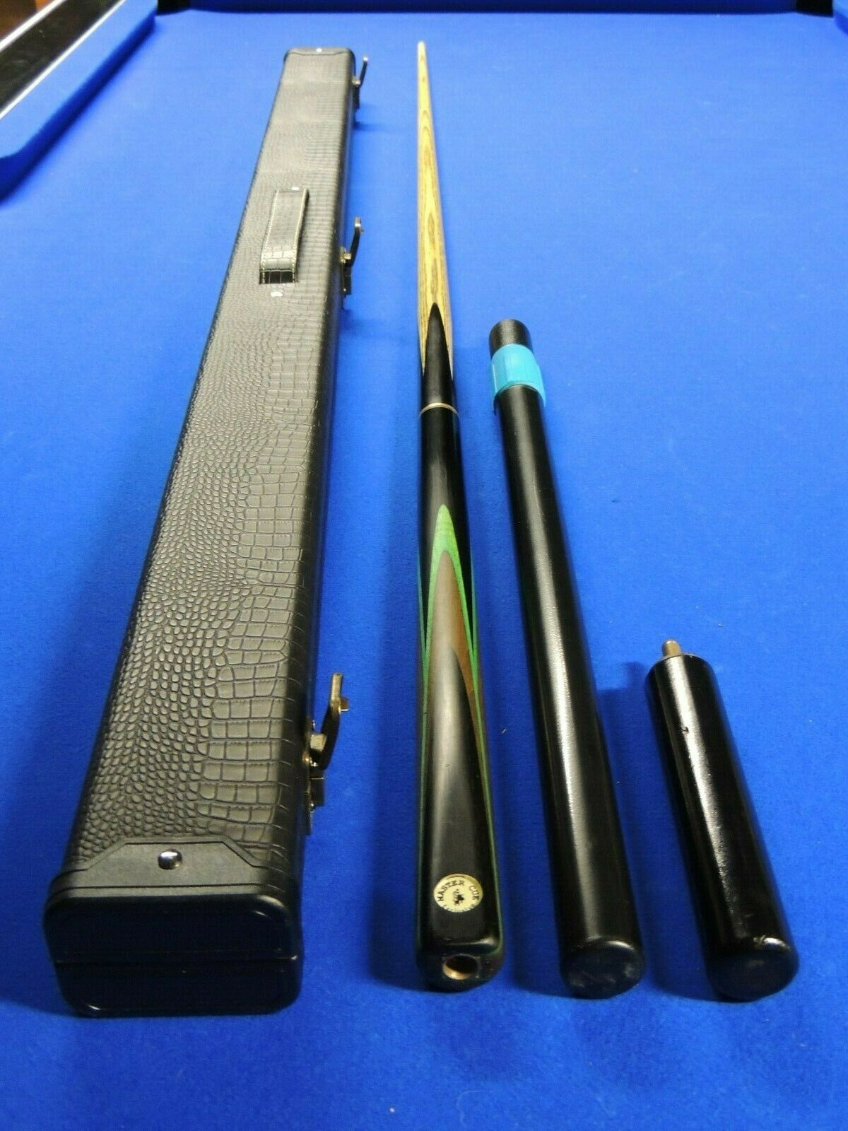 Master Cue Exclusive - Famous John Parris Design with Extensions and Case