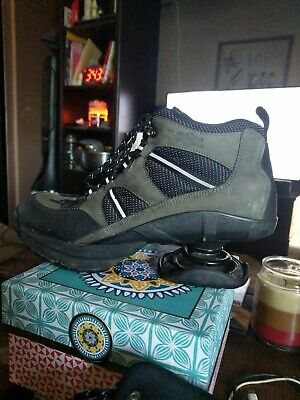 Z coil shoes womens 10