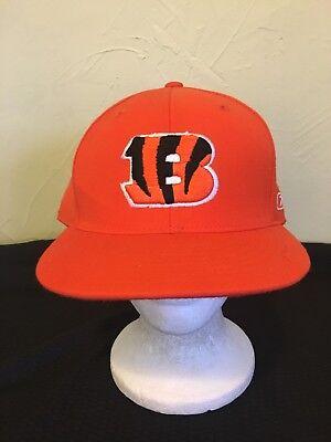 L Reebok Hat & (1) Pin (Cincinnati Bengal)
