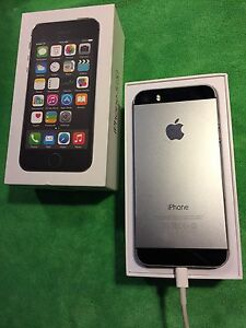 IPhone 5S - 16GB Space Grey, Rogers - $175 OBO