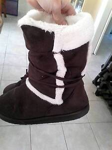 ugg boots 2 pairs hardly worn. moving overseas Wellard Kwinana Area Preview