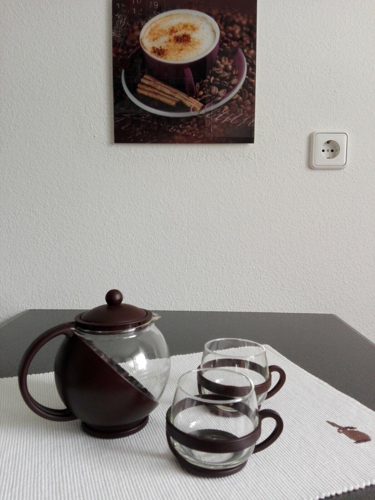 Tekanne und 2 Teegläser als Set /Teekanne 700ml Fassungsvermögen