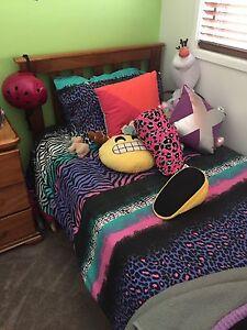 Single bed : timber Elderslie Camden Area Preview