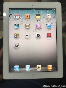 iPad 2 16g wifi - 99%new with charger and case