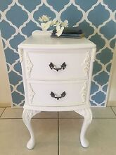 Gorgeous Queen Anne Single Bedside Table Cashmere Pine Rivers Area Preview