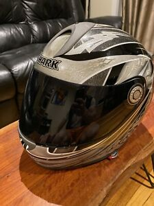 Like new Shark RSF 21 motorcycle helmet, size 60 extra visors