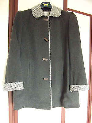 Size 18 EASTEX three quarter wool coat grey (Looks new)hip length duffel button