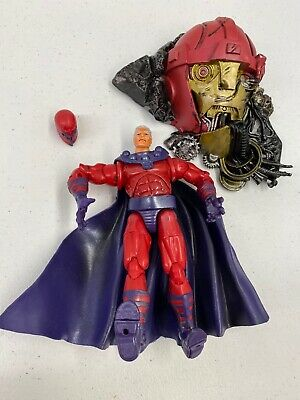 TOYBIZ Marvel Legends 2003 Series III 3 MAGNETO with SENTINEL BASE and Helmet
