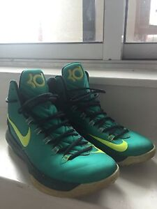 KD Basketball shoes 8/10 condition