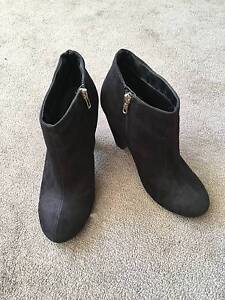 Black heeled boots Cronulla Sutherland Area Preview