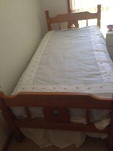 Twin Beds/ Bunks Salamander Bay Port Stephens Area Preview