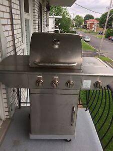 BBQ stainless à vendre 100$ négociable