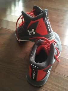 Under Armour Basketball Sneakers - Size 8