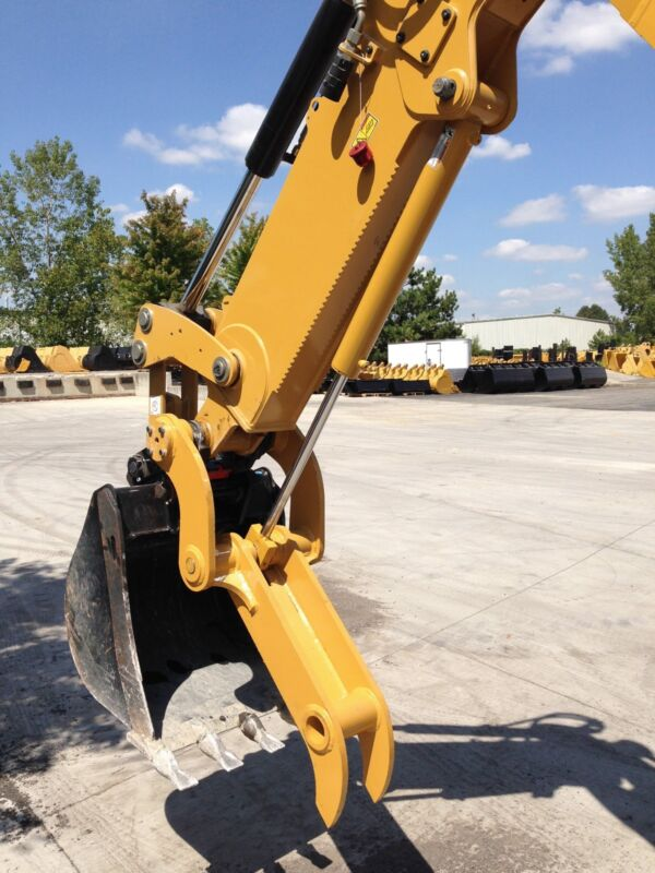 New Direct Link Hydraulic Thumb For Caterpillar 416e Backhoes!