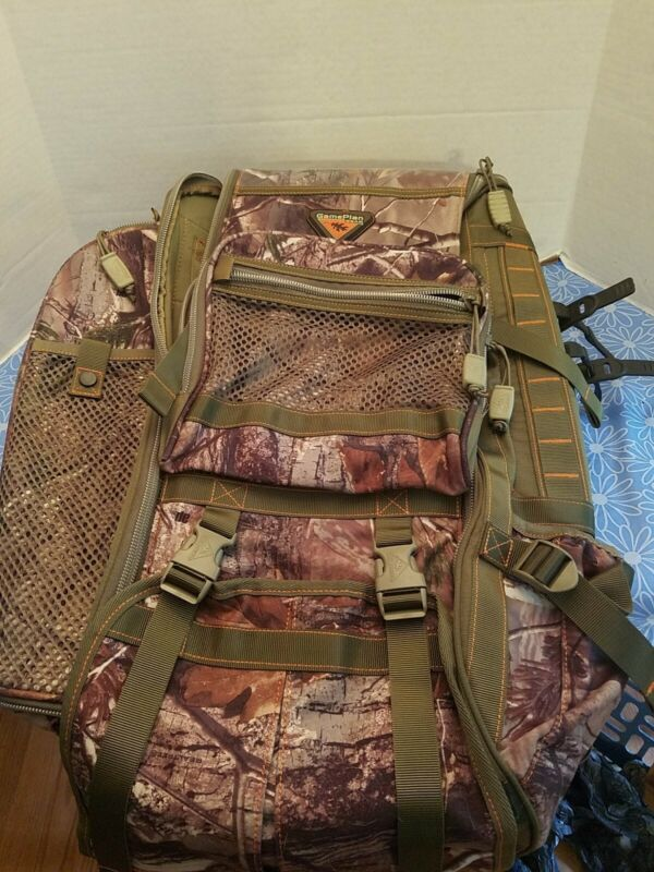 HEAVY DUTY OUTDOORS MULTI COMPARTMENTS GAMEPLAN GEAR CAMO CAMERA MAN PACK SYSTEM