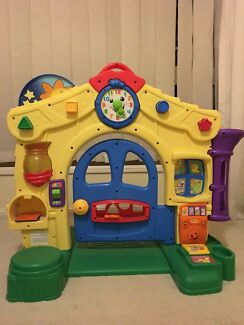 Fisher Price laugh and learn home - excellent condition