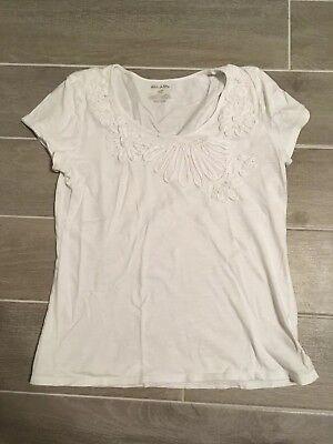 - Women's White Stag Short Sleeve White Shirt Sz S (4-6)