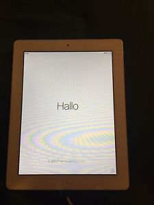 Ipad 2 - Barely used/ with 6ft charger