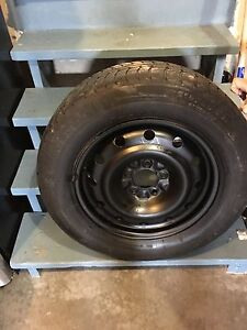 215/65/16 Set of 4 rims TIRE NOT GOOD