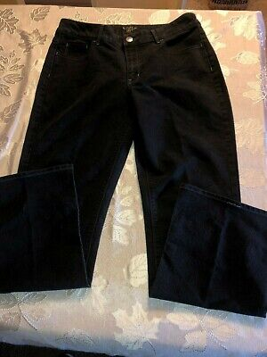 Woman's Riders by Lee Jeans...  Color Black..  Size 16M ()