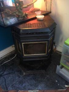 37'800 WHITFIELD Lennox pellet stove