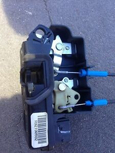 Ve commodore driver door actuator Pitt Town Hawkesbury Area Preview