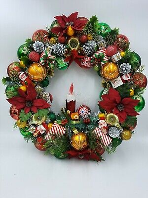 Vintage Style Candlelight Christmas Ornament Wreath