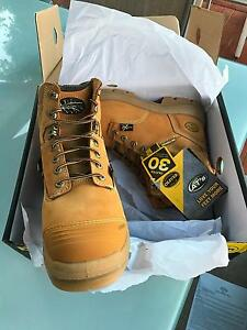 Oliver work boots size 10 colour wheat. Bulimba Brisbane South East Preview
