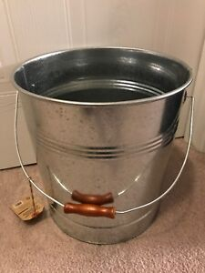 Metal bucket for ashes or bbq pellets (20lb capacity)