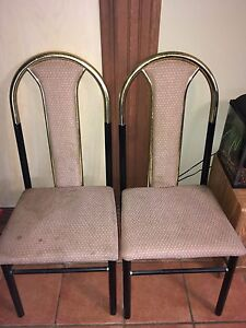 Dining table + 2 sets of 2 chairs London Ontario image 3