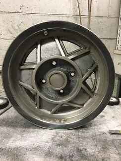 1971 triumph stag wheel