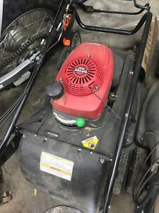 Honda HRX217 Self Propelled lawn mower