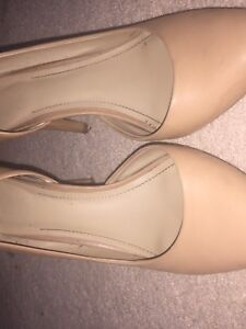 Vince CAMUTO size 7