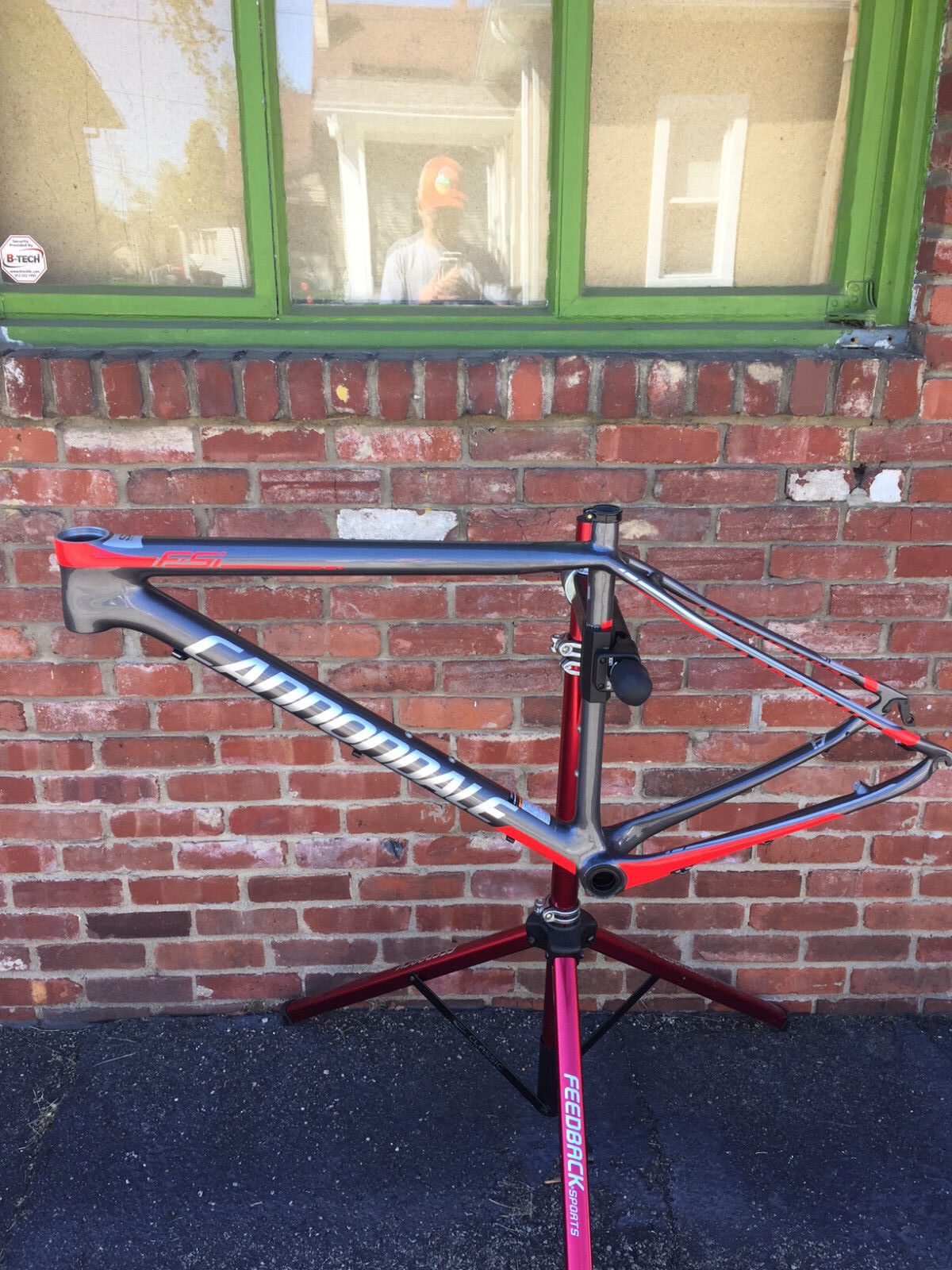 Large Cannondale F-Si Carbon Frame