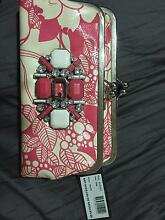 Guess clutch , brand new never been used !! Durack Brisbane South West Preview