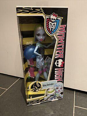BNIB 2012 Monster High Doll Roller Abbey Bominable Skullmates